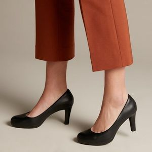 Clarks Black Leather Pumps NWT